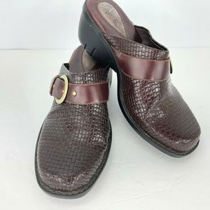 Clarks Artisan 8M Mules Clogs Shoes Cordovan Woven